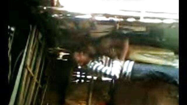 નોકર નીકળત સુધી હિરોઈન ના સેકસી વીડિયો માલિક ઊંઘ રૂમ લોડો ચુસવું