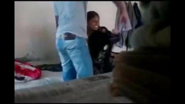 છોકરી પોતાની જાતને સેકસી વીડિયો ગુજરાતી બીપી fucks સાથે એક ટેબલ ઓફિસ