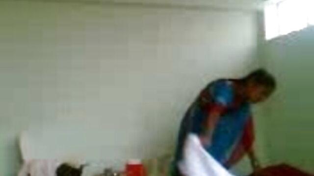 સોનેરી વાળ વાળી ભોસ ચુત મોટો કાળો લોડો જુના સેકસી વીડિયો