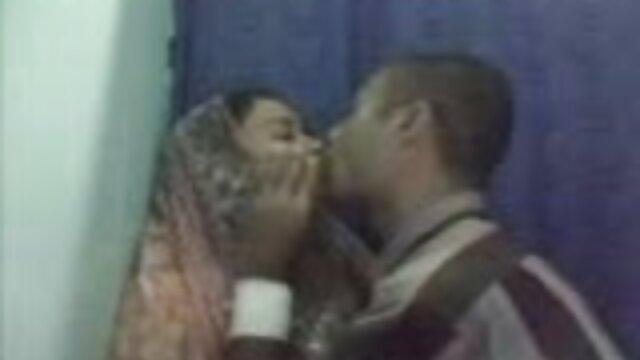 જીભ massager licks ભોસ ચુત ફુલ સેકસી વીડિયો એચડી