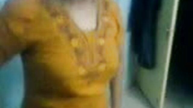 ચાલીસ વર્ષ નિર્દયતાથી નાગા સેકસી વીડિયો છે સોનેરી વગર ડિંટ્ડી