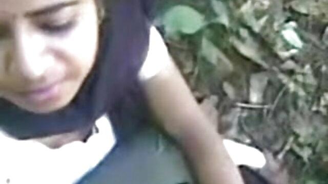 ડિપિંગ છોકરી ભોસ બીપી ફુલ સેકસી વીડિયો ચુત ગાંડ મોટો કાળો નકલી લોડો