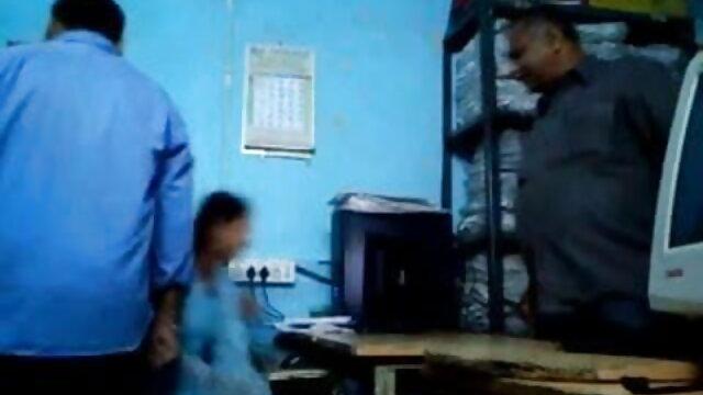 બે પુરુષો એક હિરોઈન ના સેકસી વીડિયો ગર્લફ્રેન્ડ બે વાર ચોદવુ